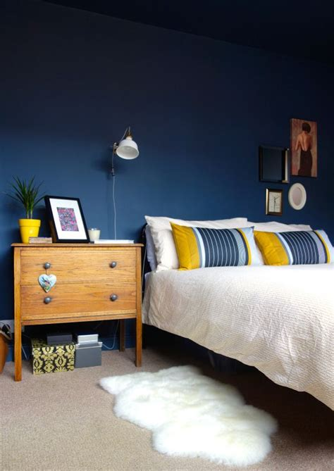 What Color Curtains Go With Yellow Walls Best 25 Dark Blue Walls Ideas On Pinterest Dark Blue