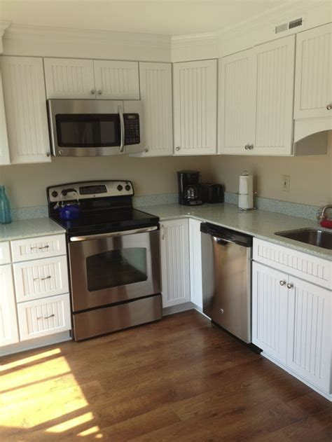 Kraftmaid Wilmington cabinets with GEOS Auckland