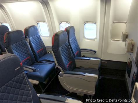 delta economy comfort review delta 767 300 domestic comfort plus seat 2 5 delta points