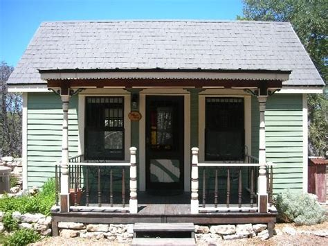 Small Homes For Rent In Tx The Tiny House At Homestead Cottages In Lake