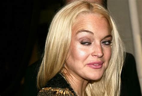 Lindsay Lohan Appendix Removed Resting Comfortably by Reasons To Get Sleep