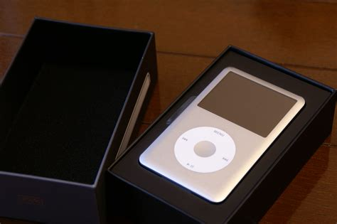 ipod box file ipod classic silver 6g 160gb in box 2007 09 22 jpg