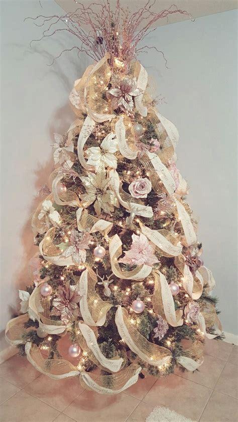 xmas gold decor best 25 gold christmas decorations ideas on pinterest