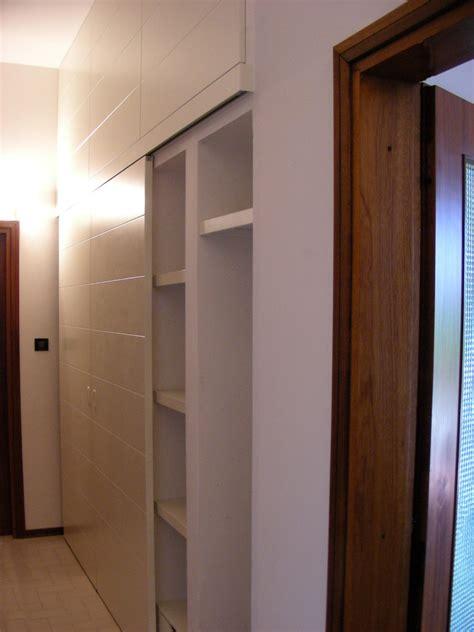 armadio per corridoio armadio per corridoio con ante scorrevoli legno