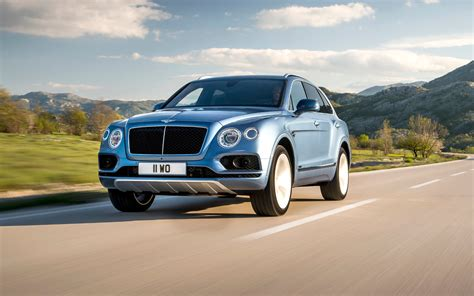 bentley suv 2018 comparison bentley bentayga mulliner 2018 vs