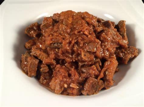 cucinare fegato di vitello fegato di vitello con cipolle