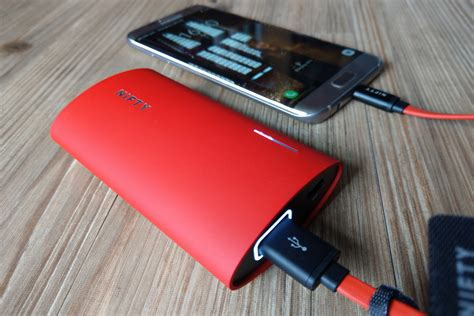 best usb portable charger the 25 best portable battery chargers android iphone