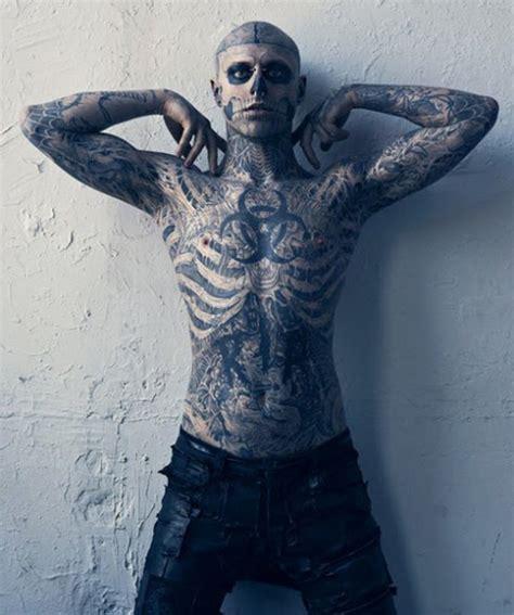 man with full body zombie tattoo 僵尸男孩 图片 互动百科