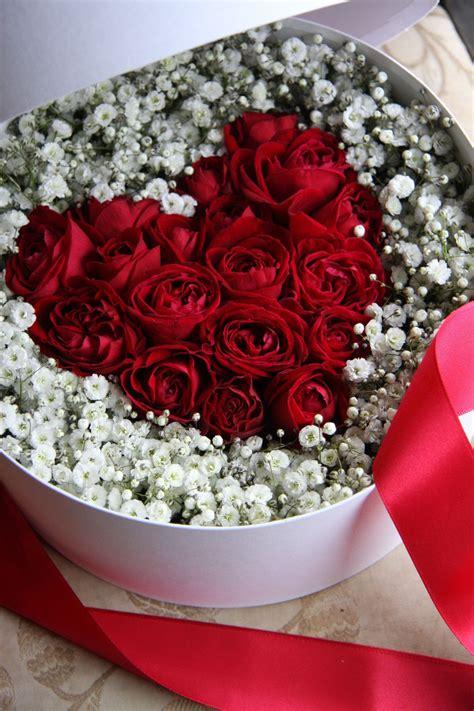 roses valentines day happy s day pink flower arrangement