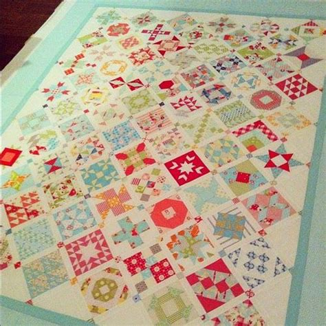 camille roskelley framed quilt pattern round and round quilt framed quilt pattern camille roskelley google search