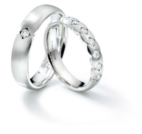 izyaschnye wedding rings wedding rings linked together