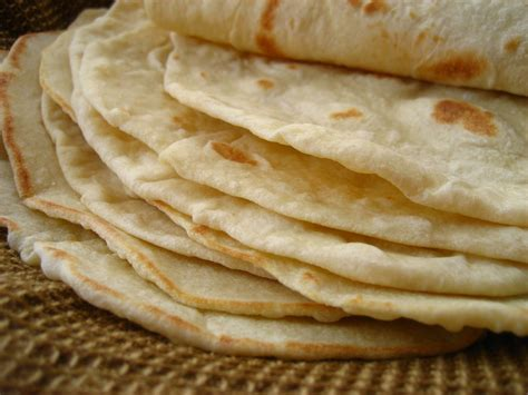 Handmade Flour Tortillas - heathy and organic flour tortilla wrap recipe