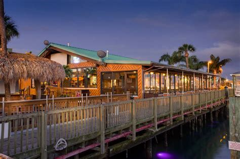 Grills Tiki Bar Photo Galleries Grills Seafood Deck Tiki Bar