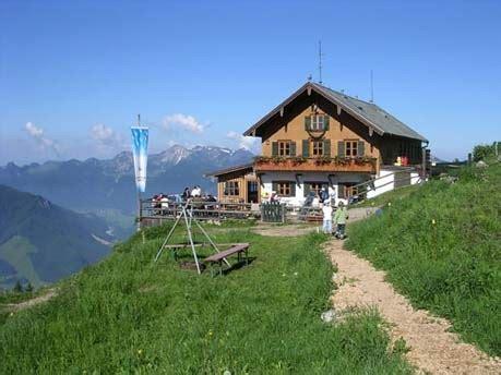 bayerische alpen hütte mieten touren in den alpen die sch 246 nsten h 252 tten hochgernhaus