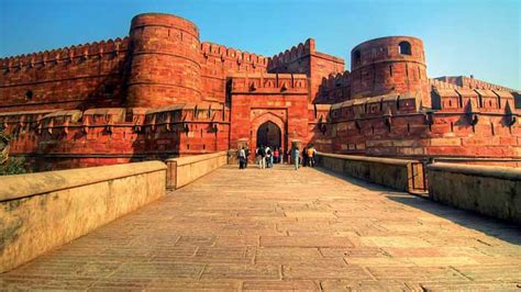 India Luxury Train by Agra Fort Information On Red Fort Of Agra