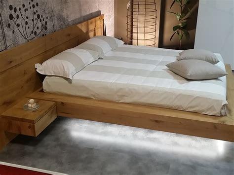 arredamenti in legno massello offerta letto in legno massello
