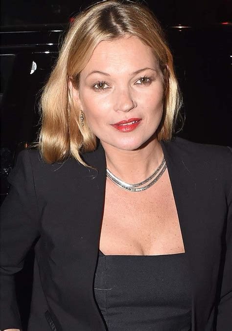 What Is That White Powder On Kate Moss by Kate Moss Arrives With Mysterious White Powder On Dress