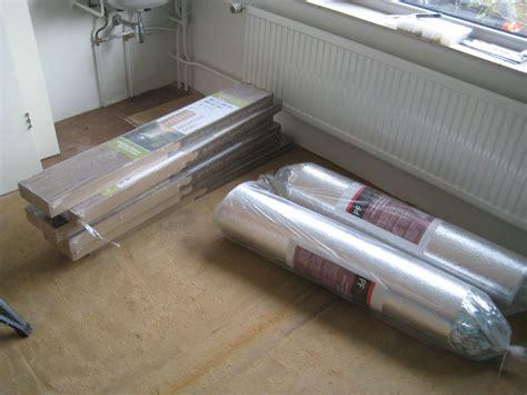 laminaat plaatsen hoe bevestig je laminaat op de muur voordemakers nl