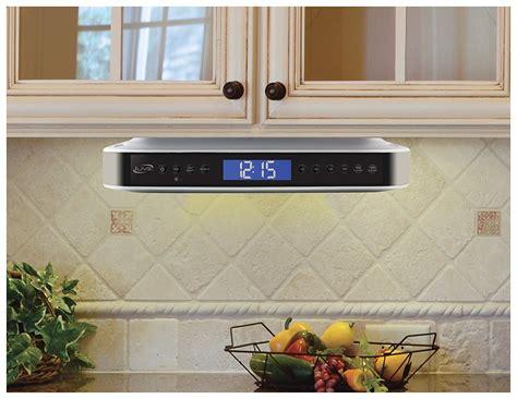 kitchen under cabinet radio best under cabinet kitchen cd clock radio reviews 2016