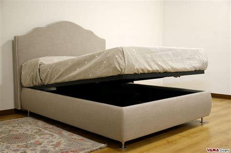 con letto a letto con contenitore classico in tessuto grigio sfoderabile