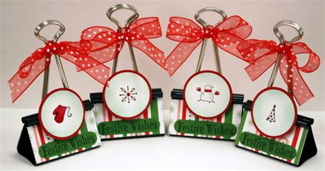 10 Ideas For Christmas Place Card Holders The Bright   10 ideas for christmas place card holders the bright