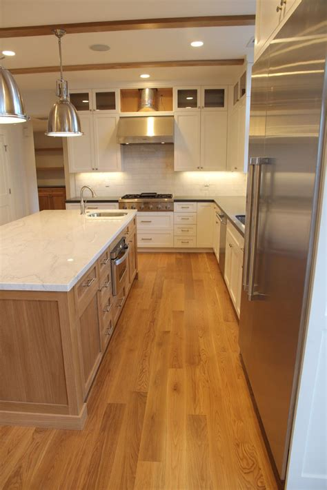 pictures of kitchen backsplashes with granite countertops backsplashes for granite countertops kitchen transitional