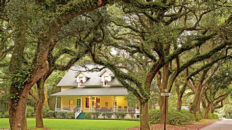 the south s charming inns southern living