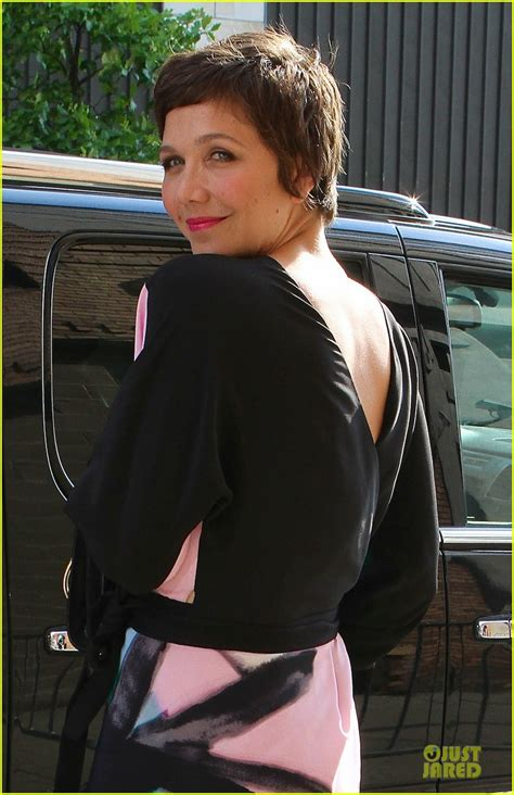 Maggie Gyllenhaal Breastfeeds In by Maggie Gyllenhaal Talks On Chelsea Lately