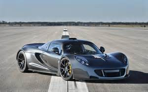 new fastest car in the world 2014 venom gt becomes the fastest car in the world 1