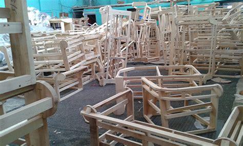 fabbrica di divani fabbrica divani poltrone chester su misura nuovi originali