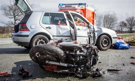 Motorrad F Hrerschein Schwer by Motorradfahrer Auf Der K90 Schwer Verletzt Www Foerde News