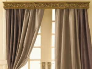 Choosing dupioni silk drapes and how to decorate dupioni silk drapes