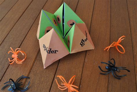 Paper Folding Tricks - trick or treat fortune teller free club chica