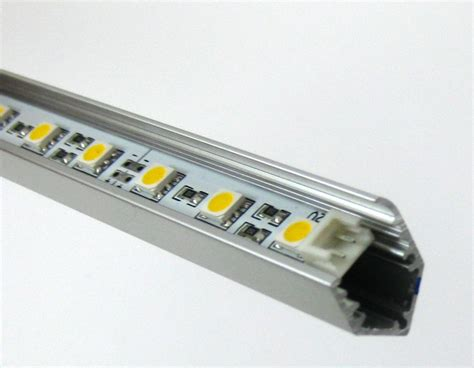 styropor leiste led rein wei 223 3chip led leiste 12v 30 x 0 22w in alu profil