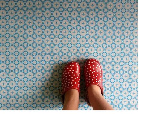 rose des vents blue vinyl floor tiles by zazous