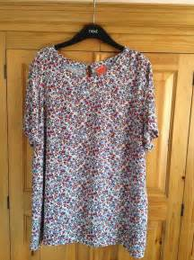 Preloved Ribbon Top joules ditsy floral top for sale in glastonbury somerset preloved