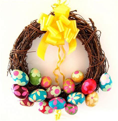 pretty easter eggs 15 diy wreath ideas for easter pretty designs