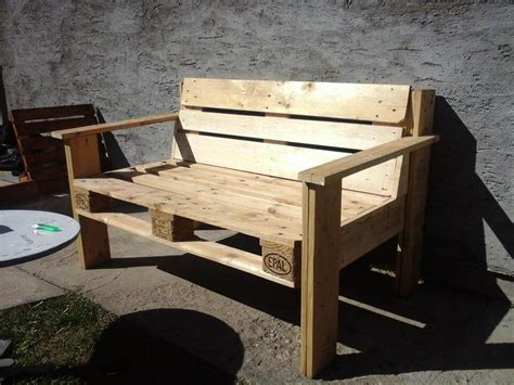 building a bench out of pallets d i y pallet bench
