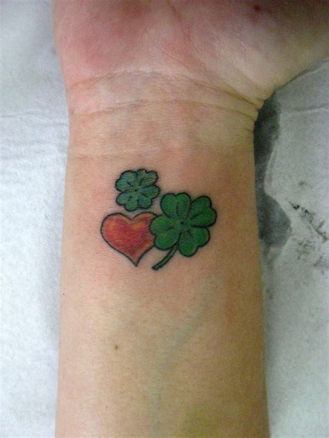four leaf clover wrist tattoos clover leaf and on wrist