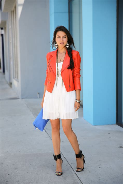7 Ways To Wear Neutral Blazers by 5 Creative Ways To Add A Pop Of Color In A Neutral