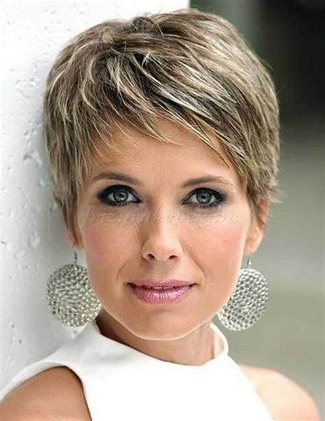 pictures of medium haircuts for women of 36 years 17 best ideas about new mom haircuts on pinterest mom