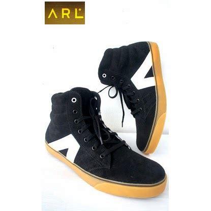 Harga Gucci Sneakers Indonesia sepatu suede arl black