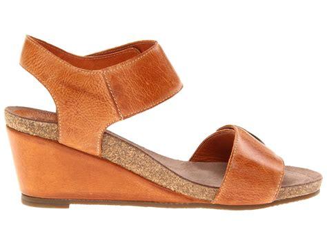 taos shoes outlet taos footwear carousel zappos free shipping both ways