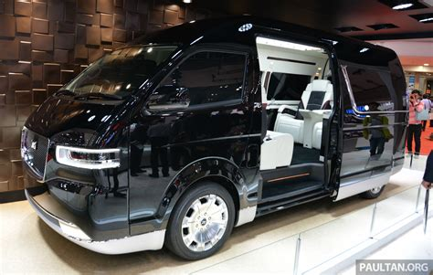 toyota hiace platinum lounge  luxury car   feel