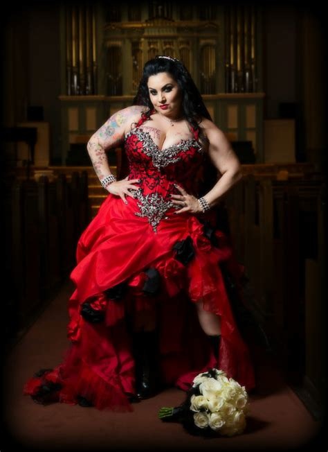 gothic black red gold metallic corset bride embroidered dress steam vire red and black gothic wedding dress with hand sewn