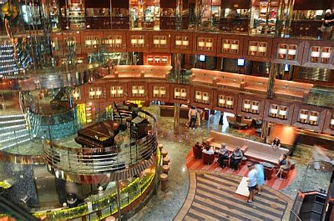 dream boat carnival ray s cruise blog carnival dream cruise review
