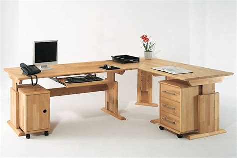 scrivania angolo una scrivania angolare per fare bello l ufficio