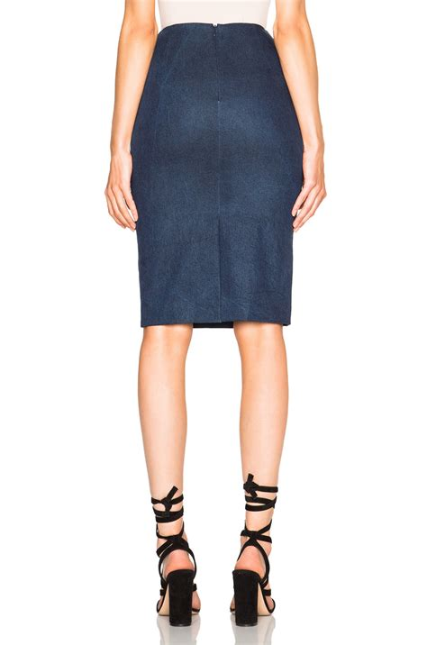 sally lapointe enhancing stretch denim pencil skirt in