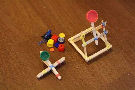 Handmade Catapult - weekly up d week and week royal baloo