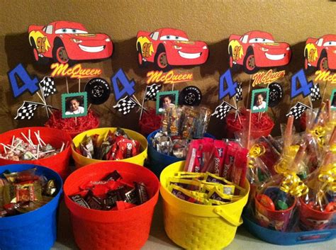 Disney S Cars Themed Birthday Centerpieces And Candy Disney Cars Centerpiece Ideas